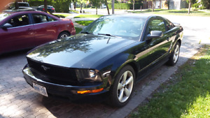 Certified 2005 Ford Mustang - priced to move ASAP