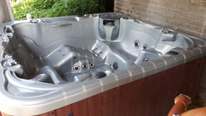 Used Hot tub - not working. handyman special $500.00 obo