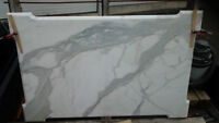 dessus d'ilot en marbre calacatta 45 5/8 large x  69 5/8 de long