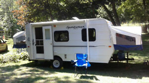 Lightweight hybrid trailer for rent-Sleeps 6+ Delivery Available