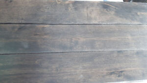 Lot de plancher de bois franc pré-verni