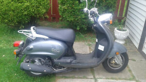 Yamaha Vino motor scooter for sale
