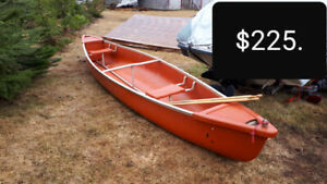Canoe with new oars for sale