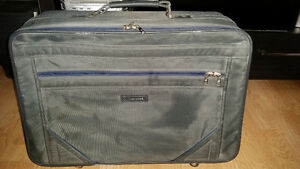 2 Suit Cases 4 Sale Regina Regina Area image 3