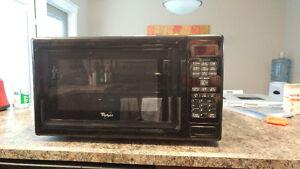 Whirlpool 1000 W microwave