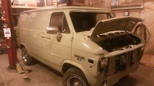 Rare short wheel base van