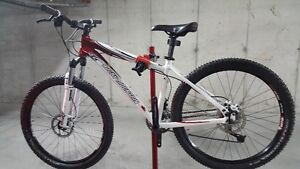 Rocky Mountain Vertex Mtn Bike, Like New