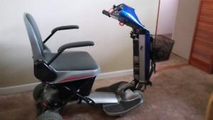 PowerFolding  Rascal AutoGo 550 Mobility Scooter