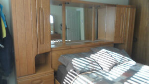 Must Sell - Beautiful Oak Bedroom Set