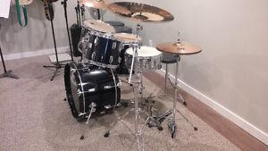 Entry-level Drum Set