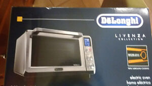 BRAND NEW never used delonghi toaster oven London Ontario image 4