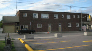 Large one bedroom Apartment near Dairy Queen and Ticats Stadium