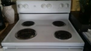 White 4 Burner Electric Stove