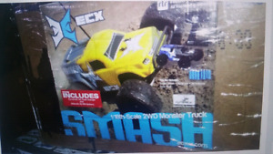 ecx 1/18th scale 2 wheel drive monster truck *in  Westbank*