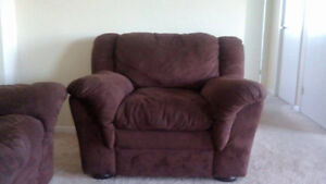 Couch, Loveseat and Chair London Ontario image 2