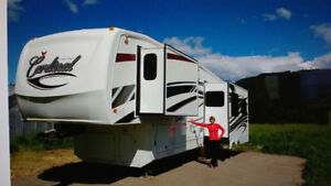 Luxury RVing - 2010 Forest River Cardinal - 3050RL
