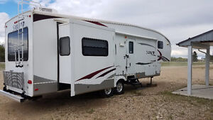 2011 - 31' Sabre RLTS Fifth Wheel