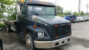 FREIGHTLINER FL REMORQUEUSE TOWING