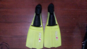 Dolphino diving fins size 9-10