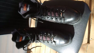 Men's HD Boots in like new condition $60.  Size 11