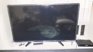 "50 "" Toshiba LCD flat screen tv"