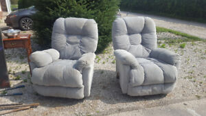 Two lounge chairs for $20