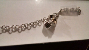 New Jewelery for sale silver braclet and hoop earings