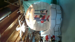 Large inflatable Christmas decoration