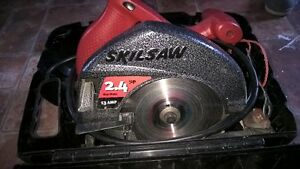 Skil saw with case