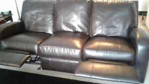 Couch Belleville Belleville Area image 2