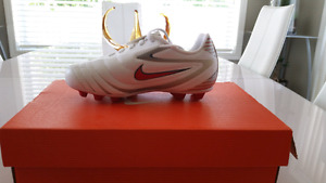 Soccer shoes for kids size 12c