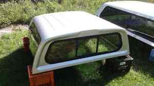 Truck cap off 2004 dodge Dakota  4 door