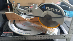 Delta miter saw on folding stand  /   mobile base for table saw