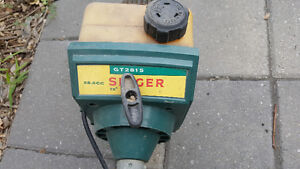EXCELLENT GAS POWERED SINGER WEED TRIMMER