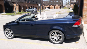 2009 Volvo C70 convertible  LOW KM