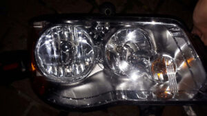 RIGHT HEADLIGHT LAMPCHRYSLER TOWN COUNTRY Lumiére DR 2008- 2015