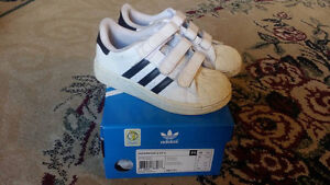 EUC Adidas Superstar CF Kids Shoes - Size 11