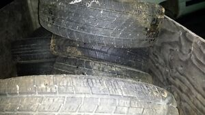 245 65r17 COOPER TIRES DISCOVRY   NEUF  ROULER 1 MOIS