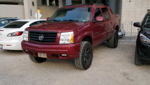 2005 escalade great shape low kms