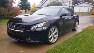 2012 Maxima $16,900 - Comes with Warranty