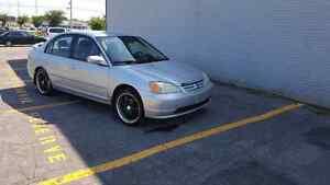Trs belle Honda civic automatique 2003 propre tt équipé