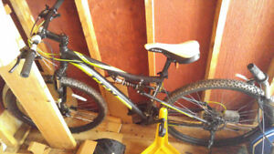 Mens CCM Alpha, dual suspension mountain bike, excellent shape!