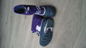 GIRLS SIZE 2 SORELY WINTER BOOT
