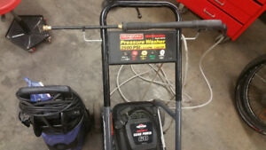 Pressure washer 3.0 GPM LIKE NEW NEED GONE TODAY 200$