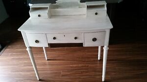 French Provincial Desk London Ontario image 1