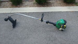 Gas Trimmer, Weed Eater Featherlight - 15""