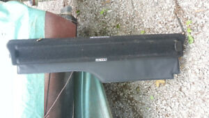 Land Rover LR3 LR4 rear luggage retractable cover