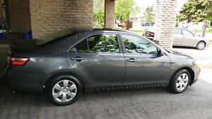 2007 Toyota Camry LE 127. 134 km.-$6900