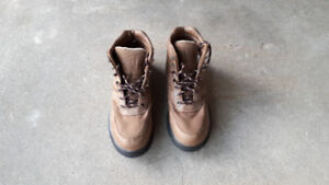 Boys / Mens size 8 wading boots