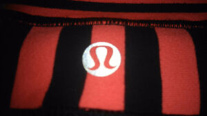 Lululemon grooves sz 4 perfect condition London Ontario image 2